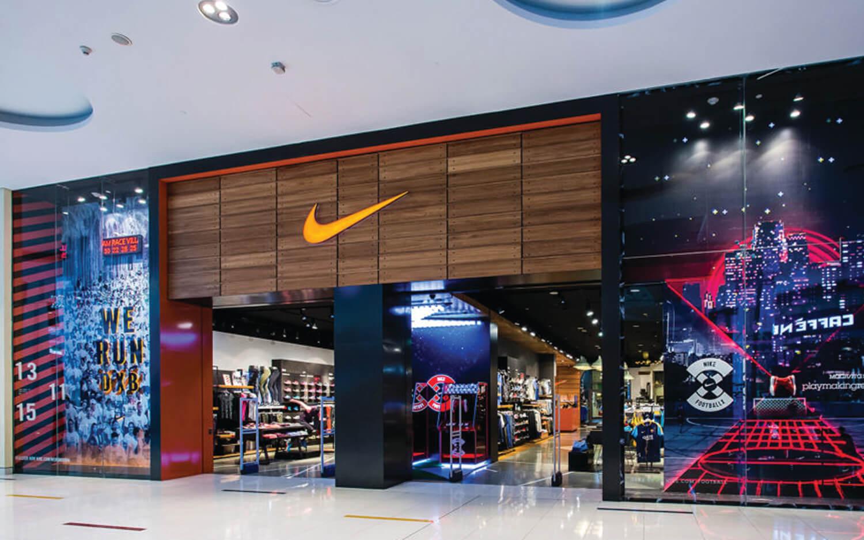 Mall-Window-Display